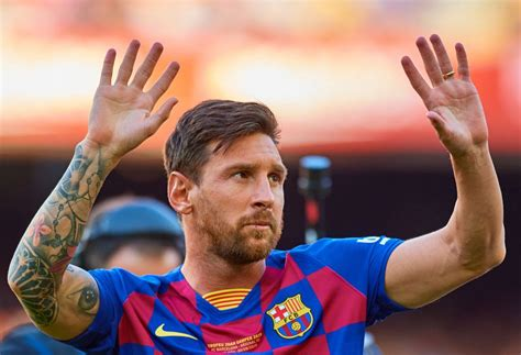 lionel messi  manchester city latest transfer news