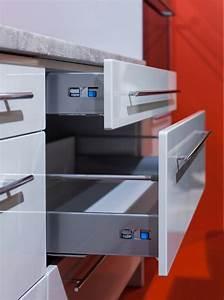 Kuchenschrank schubkasten unterschrank vollauszug 80cm for Küchenschrank korpus