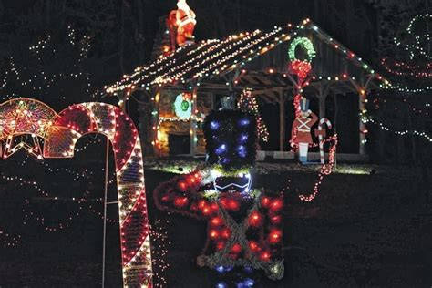 fort st clair christmas lights whispering christmas celebrates 3o years register herald