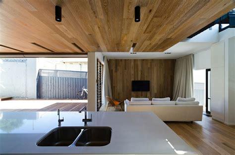 Moderne Häuser Inneneinrichtung by Moderne Inneneinrichtung Aus Holz In Einem Open House In
