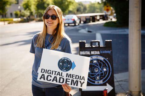 digital media classes summer c programs at digital media academy createthenext