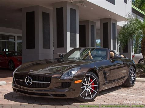 The standard steering wheel is fully wrapped in grippy dinamica. 2014 Mercedes-Benz SLS AMG GT Convertible for sale in Naples, FL | Stock #: 17-010376