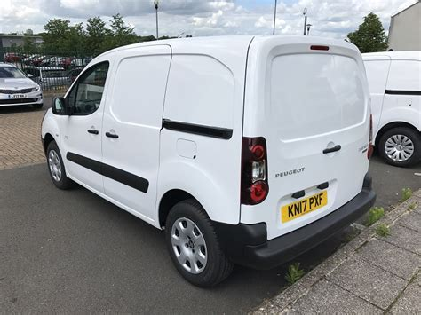 peugeot vans citroen berlingo peugeot partner electric vans business vans