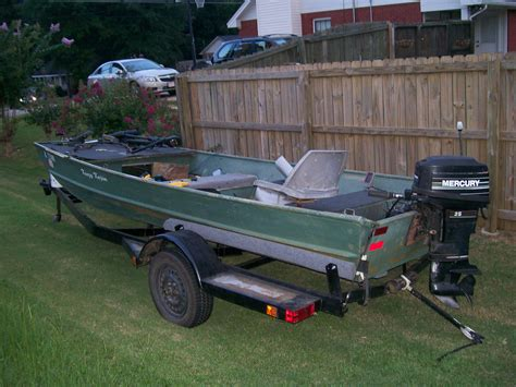 Jon Boat Trailer Rebuild by 16 Lowe Jon Boat With 25 Hp Mercury And Trailer The