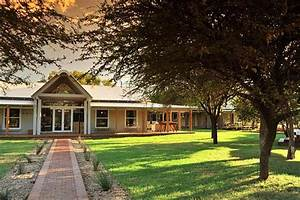 The amazing Morokuru Farm House in South Africa