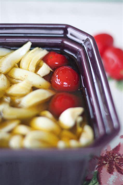 Petits Canapés Aux Confits De Tomates Séchées Ou Petit Confit Entre Amis Ail Tomate Oignon Yrgane