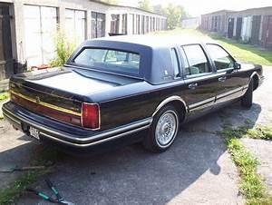 Germantowncar 1994 Lincoln Town Car Specs  Photos