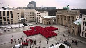 Deutsches Rotes Kreuz Berlin : rotes kreuz am brandenburger tor zeitraffer youtube ~ A.2002-acura-tl-radio.info Haus und Dekorationen