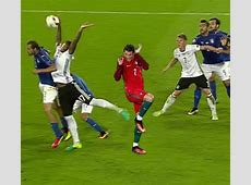 Jerome Boateng memes win the internet after his handball v