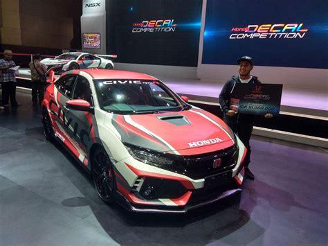 Modifikasi Honda Civic Type R by Civic Type R Ini Menang Kontes Honda Decal Competition