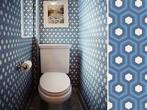 decorer ses toilettes sans faire ringard ni kitsch elle With quelle couleur dans les toilettes 2 une touche de couleur dans les toilettes
