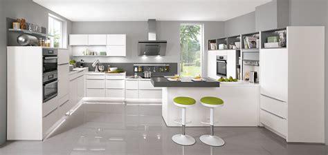 Touch 332, Alpinweiß Supermatt (moderne Küchen)