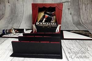 Bodyguard Matratze Verpacken : musical in a box zum geburtstag eine explosionbox als gutschein oder geldgeschenkverpackung ist ~ Eleganceandgraceweddings.com Haus und Dekorationen