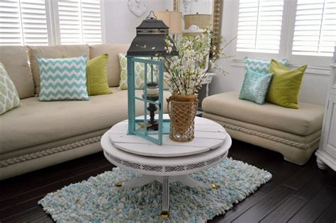 Beach House Decor On A Budget : Classic Living Room Design