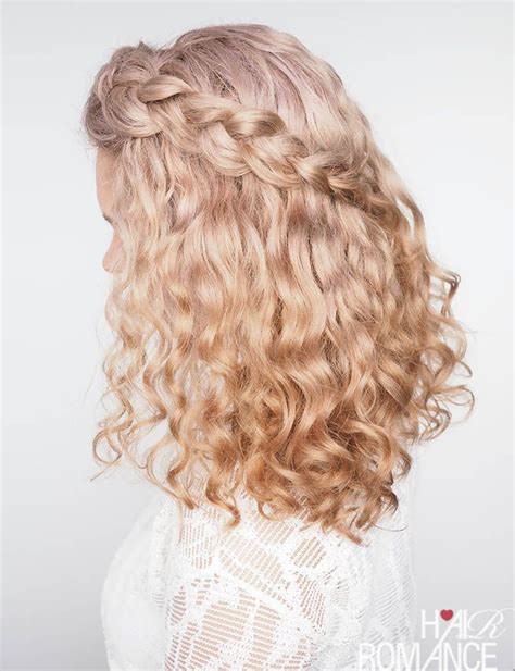 tips for braiding curly hair plus a quick tutorial
