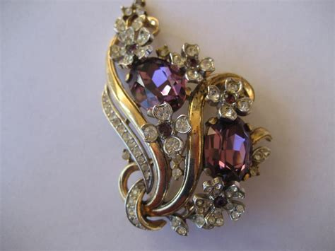 vintage floral rhinestone rhinestone trifari brooch
