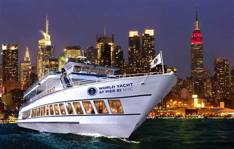 Nyc Boat Tour Cheap by Dine And Enjoy The View New York Dinner Cruise