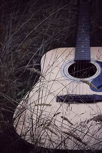 acoustic guitars on Tumblr