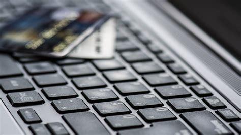 commerce sales      majority