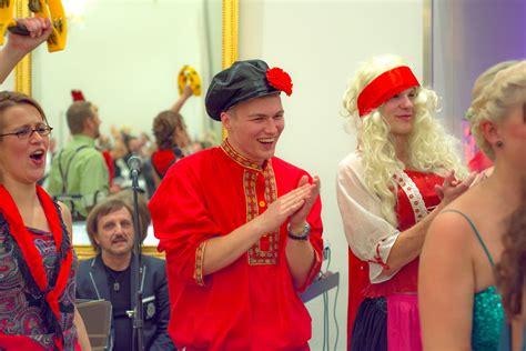 tamada moderatorin elita deutsch russische musik