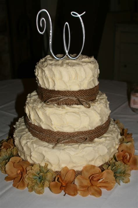 Countrystyle 3tier Wedding Cake  Cake & Party Ideas