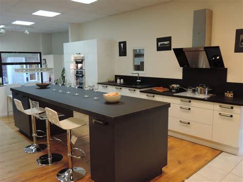 hauteur plan de travail cuisine cuisine aménagée hauteur plan de travail