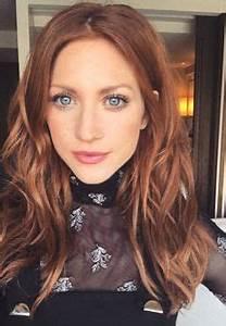 Welche Haarfarbe Passt Zu Blauen Augen : haarfarben trends 2019 das sind die looks die jetzt alle wollen haarfarben warme ~ Frokenaadalensverden.com Haus und Dekorationen