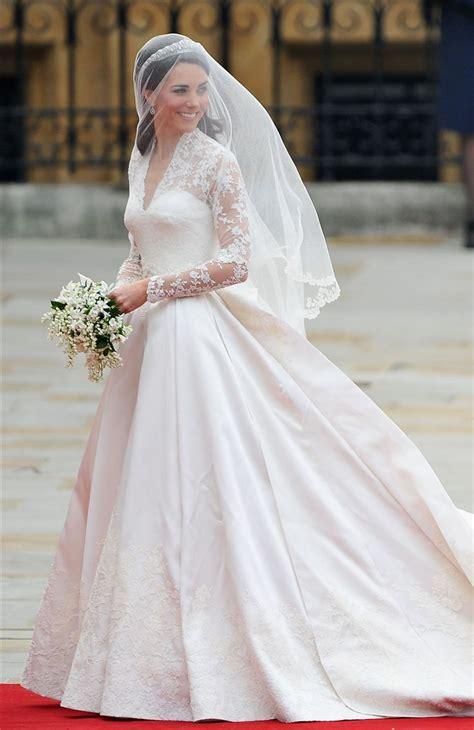 hm wedding dress   kate middletons