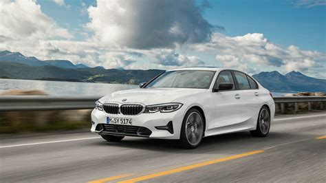 Explore the 330i and 330i xdrive sedans. 2019 BMW 3 Series First Look: Return to Grace - Motor ...