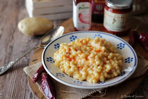 pasta con patate nduja e provola filante primo piatto