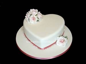 Single Tier Wedding Cake - CakeCentral.com