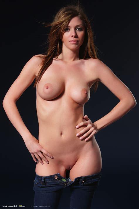 Laura Perfect Body
