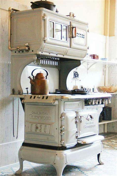 gold medal glenwood stove  vintage stoves antique
