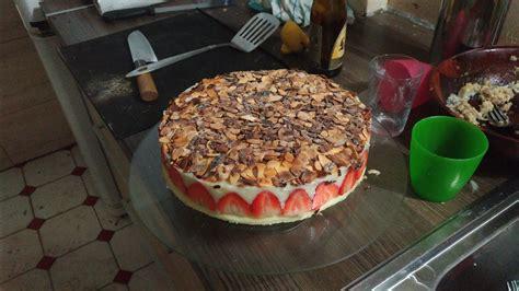 herve cuisine fraisier recette du fraisier facile et léger avec hervé cuisine