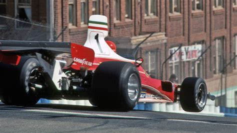 Austrian niki lauda was the reigning world champion and was driving a ferrari 312 t2 designed by mauro forghieri. Niki Lauda turn one at Long Beach 1976. Plunging down the hill on Linden Ave | Ferrari racing ...