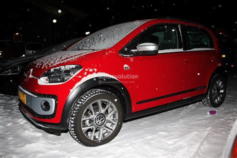 Spyshots Volkswagen Cross Up Winter Testing Autoevolution