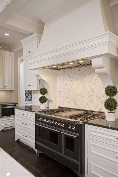 vivid interior  tc homebuilders kitchen range stove
