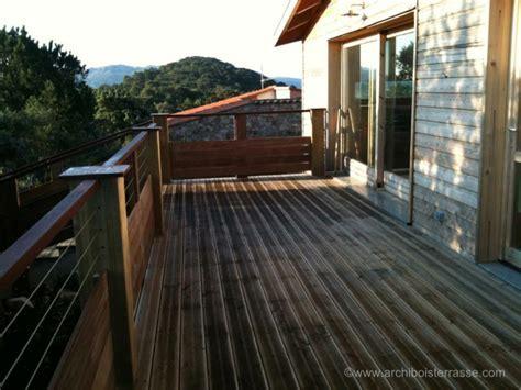 terrasse balcon bois en hauteur pour maison surélevée 76