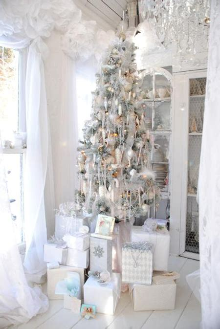 shabby chic christmas decorating a shabby chic christmas the cottage market