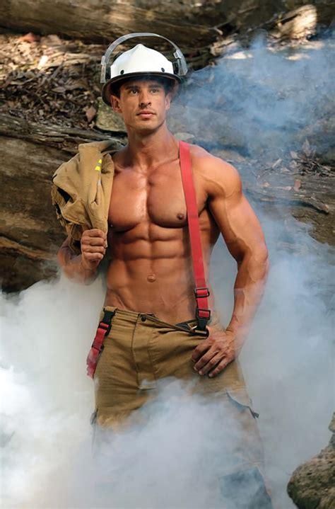 australian firefighters pose  animals   calendar
