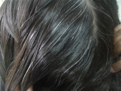Hair Turning With Age by 2 Best Hair Oils For White Hair At Age Turn White