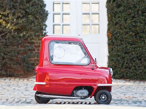 smallest car   world fetches   auction