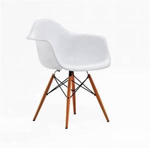 Fauteuil Vintage Pas Cher : mobilier vintage pas cher lounge chair de eames fauteuil egg de jacobsen le corbusier le ~ Teatrodelosmanantiales.com Idées de Décoration