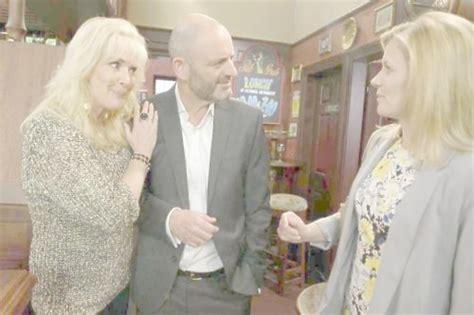 Leanne Battersby to be held hostage in Coronation Street