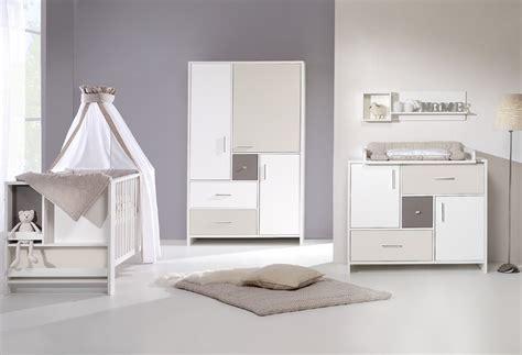 chambre bebe beige chambre bébé lit commode armoire beige schardt
