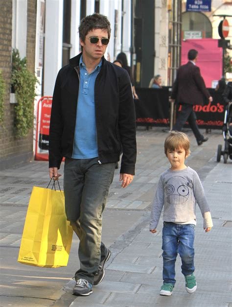 A collection of facts with age, height, net worth, oasis. Noel Gallagher, Donovan Gallagher - Noel Gallagher and ...
