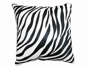 coussin en peau de vache imprimee zebre double face With tapis peau de vache avec coussin de canapé 60 x 60