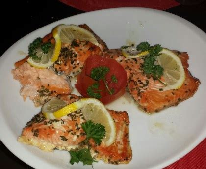 cuisiner au four pavés de saumon au four facile recette de pavés de saumon au four facile marmiton