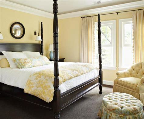 Bedroom Decorating Ideas Yellow And Green by Yellow Bedroom Paint On Cherry Wood Bedroom