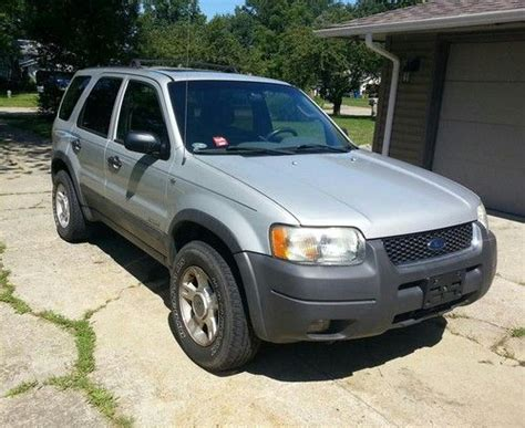 find   ford escape xlt sport utility  door